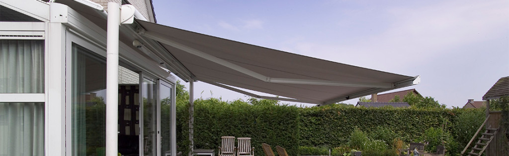 retractable awnings canberra