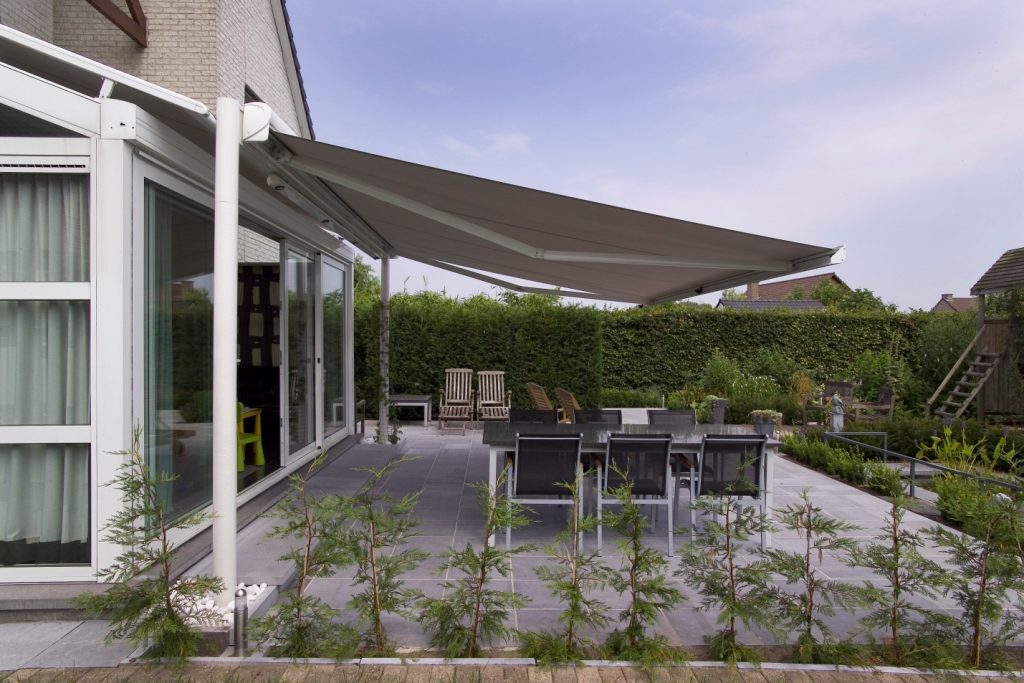 Choose Retractable Awning