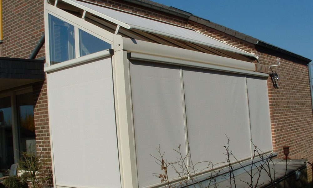 SC 770 Wire Guided Straight Drop Awning